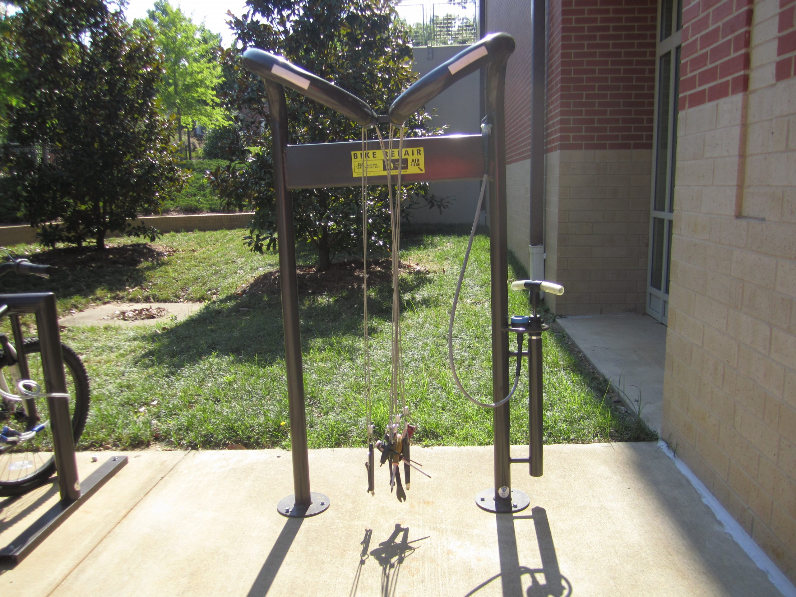 Photo of the Fix-It Repair station by the Melton Student Center.